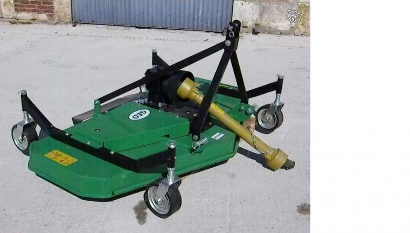 tracteur branson 28cv avec outils locations. Black Bedroom Furniture Sets. Home Design Ideas